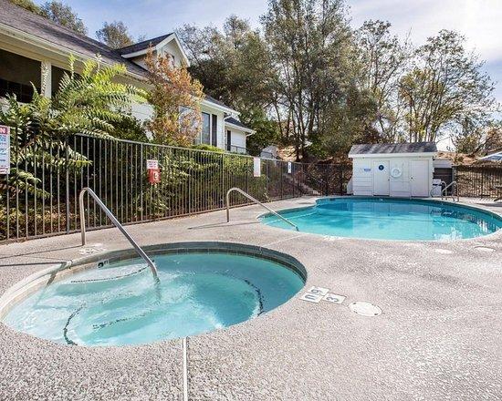 Марипоса, Калифорния: Pool