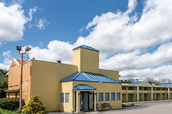 Rodeway Inn : Exterior