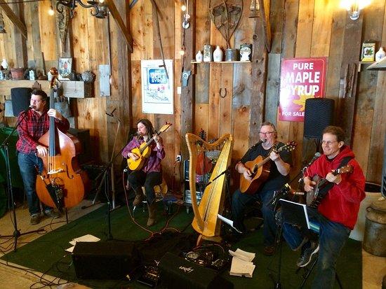 Shelburne, VT: local band Rowan played traditional Irish music at Palmer's