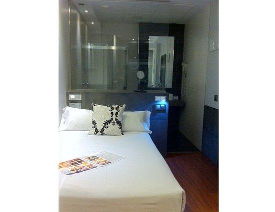 Hotel regina madrid espa a opiniones y comparaci n de for Hotel regina madrid opiniones
