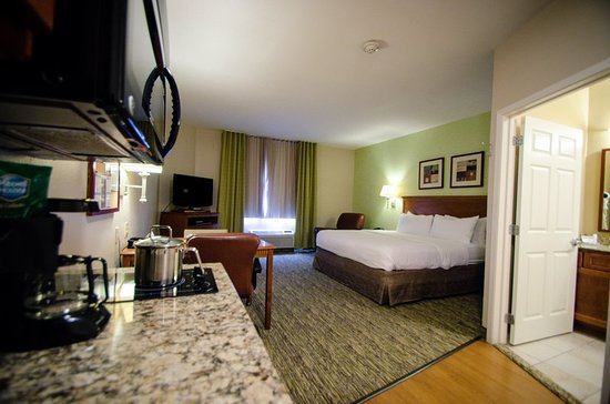 Candlewood Suites Temple: Guest room