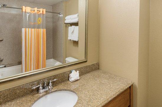 la quinta inn suites boone 89 9 4 39 excellent. Black Bedroom Furniture Sets. Home Design Ideas