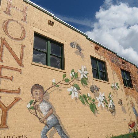 LaBelle, FL: Harold P. Curtis Honey Company
