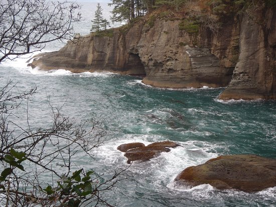 Clallam Bay, WA: More sea caves