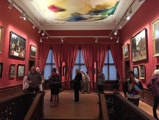 The Mauritshuis Royal Picture Gallery: 美術館展廳