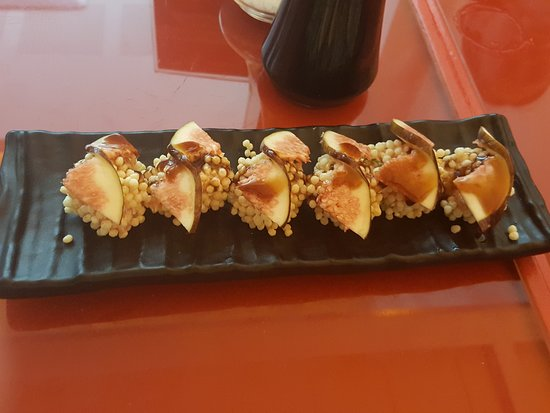 Manekineko: Tuna croc roll