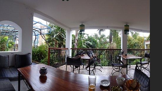 Hotel Molino: Having breakfast on ground floor terrace facing garden
