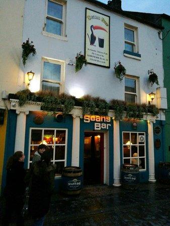 Athlone, Ireland: IMG-6b9615125f5acd51655a787268a5e9f5-V_large.jpg