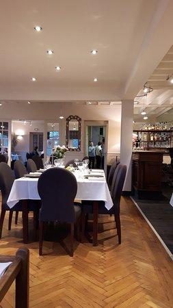 Hambye, France: salle de restaurant