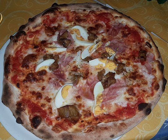 Sant'Alfio, Italia: Pizza Parmigiana