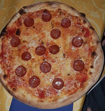 Sant'Alfio, Italia: Pizza Vulcano