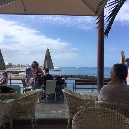 Waikiki Beach Cocktail Bar: photo2.jpg