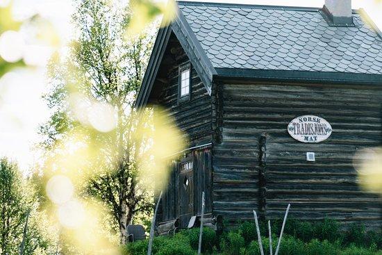Fagernes, Norway: Brudebua, et lite forelskelsesrede med dusjbad og rustikk romantisk stemning.