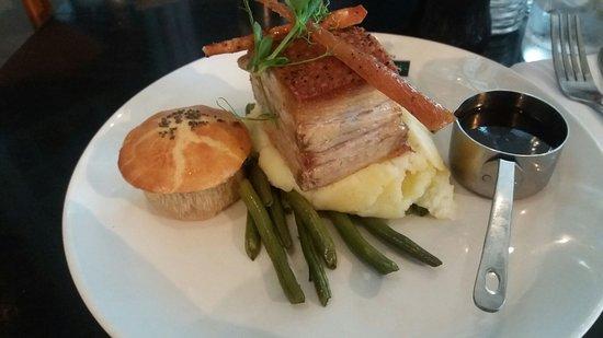 Browns Brasserie & Bar: Pork Belly (With a mini apple pie)
