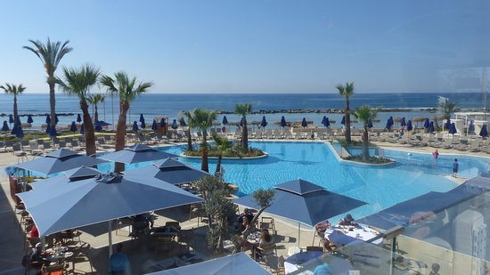 Atlantica Mare Village Ayia Napa: Pool view from the lounge terrace