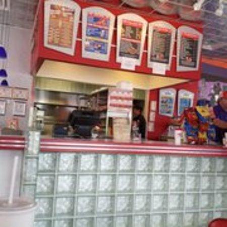 Williamsburg, IA: Maid Rite Diner - interior