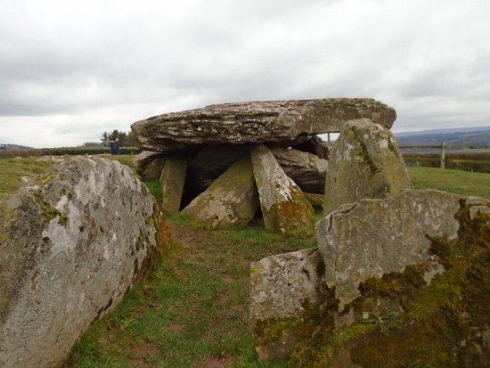 Dorstone, UK: Burial Chamber Stones of Arthur's Stone