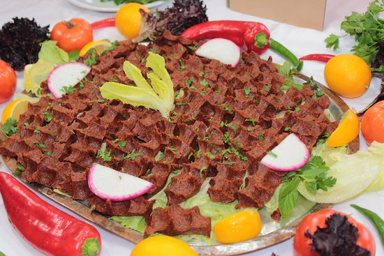 Çiğ Köfte - Raw Meatball - كرات اللحم الخام - Picture of Ziya Sark Sofrasi,  Istanbul - Tripadvisor