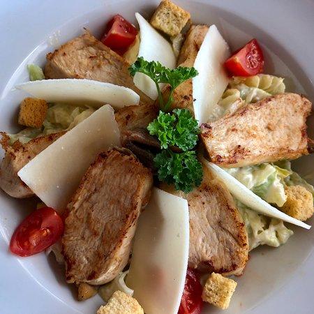 Mar d'Fora: Caesar salad