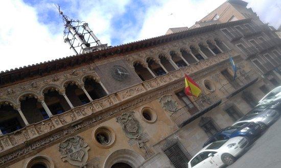 Ayuntamiento de Tarazona: curiosa fachada