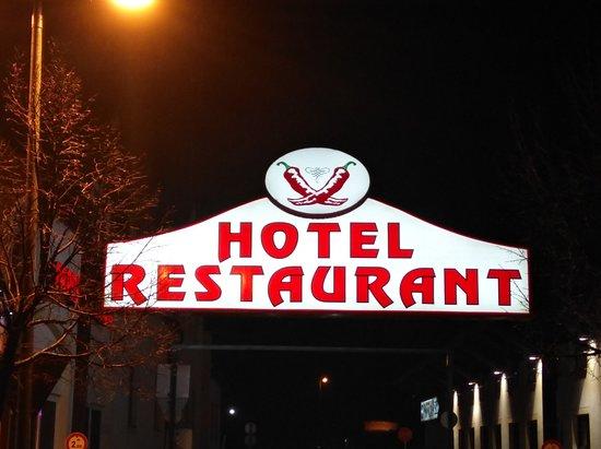 Hegyeshalom, Hungary: Hotel and restaurant