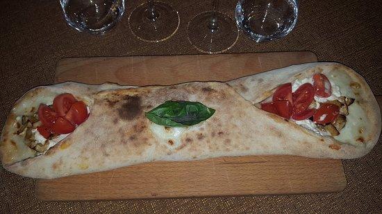 Il Galeone: La pizza Cannolo