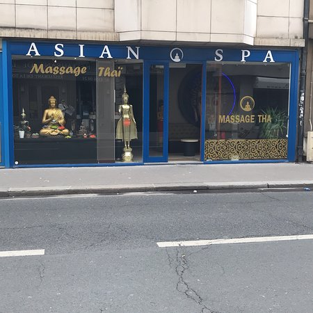 Asian escort in paris