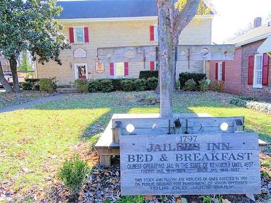"Jailer's Inn Bed and Breakfast: bottom of sign says ""TOUR OLD JAIL DAILY"" - would not give us tour"