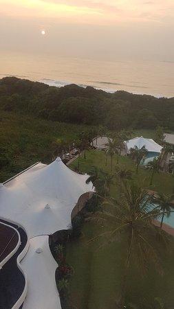 Breakers Resort: 20180405_062804_large.jpg