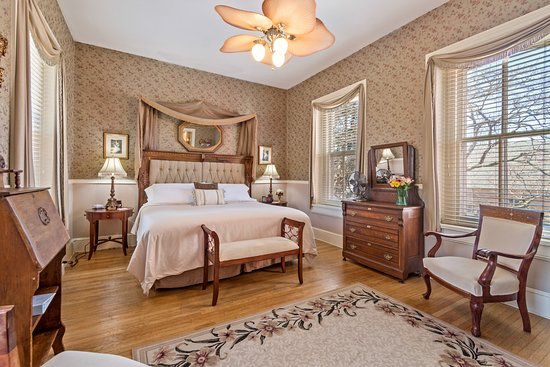 LOVELACE MANOR BED AND BREAKFAST - Updated 2019 Prices & B&B