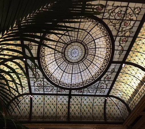 Palm Court: Amazing glass ceiling