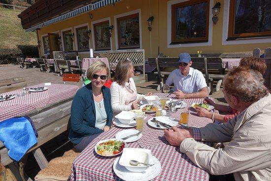Koettmannsdorf, Österreich: Tafelrunde heute