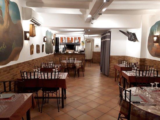 superbe décoration de l\'intérieur - Photo de Pizzeria O\'Grill, Apt ...