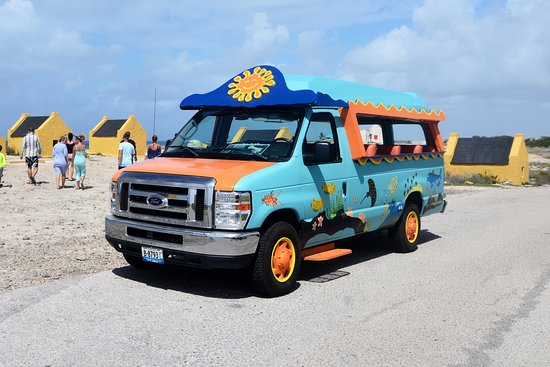 Kralendijk, Bonaire: Our open 16 passenger, Bonaire Photo Shoot - Island Tour bus :)