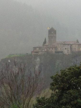 Castellfollit de la Roca, Spain: IMG-20180408-WA0002_large.jpg