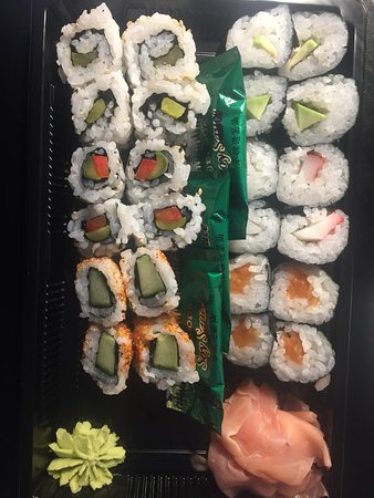 too small pieces of sushi