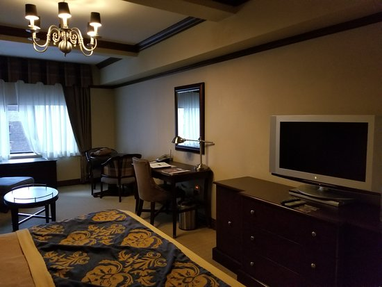 The Blakely New York: Junior suite at the Blakely.