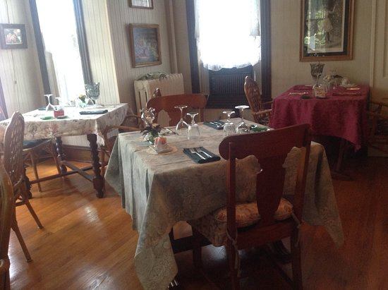 Highlawn Inn: Dining room