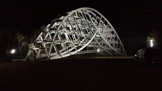 Bitterfelder Bogen bei Nacht