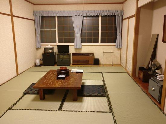Wondrous Traditional Japanese Style Room At The Rausu Daiichi Hotel Interior Design Ideas Philsoteloinfo