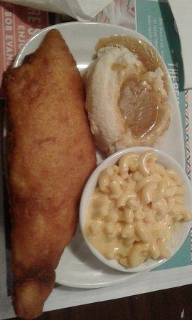 Bob Evans: Alaskan Cod w/ mashed potatoes & gravy & mac n' cheese