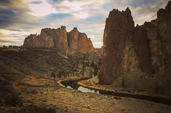 Sleep Inn & Suites Redmond: Smith Rock State Park is only 10 minutes away!!