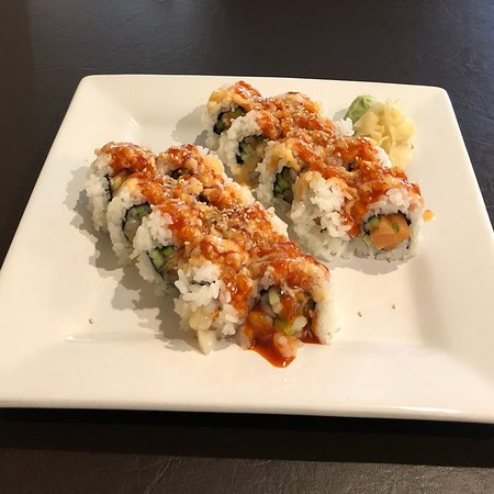 Spicy Salmon Roll And Spicy Chopped Scallop Roll Picture Of Karai Sushi Grill Vancouver Island Tripadvisor