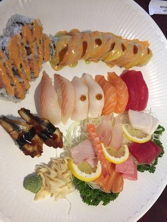 "Swiftwater, Πενσυλβάνια: My ""Regular Sushi/Sashimi Platter."""