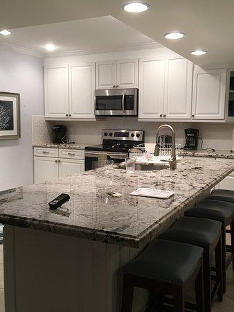 1800 Atlantic Suites: Cocina