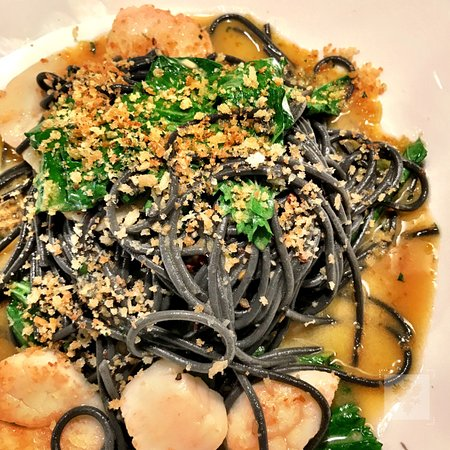 Smithfield, Australia: Squid Ink Tagliolini with scallops & panegrattato