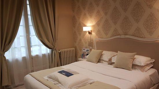 Chambre double supérieure - Bild von Hotel Kyriad Saumur Centre ...