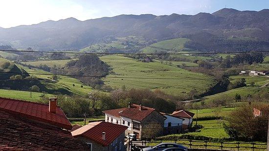 Tresgrandas, Spain: Entorno en plena naturaleza, cercano a la playa y a la montaña