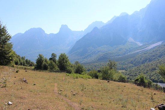 Bajram Curri, Albânia: Valbona Pass