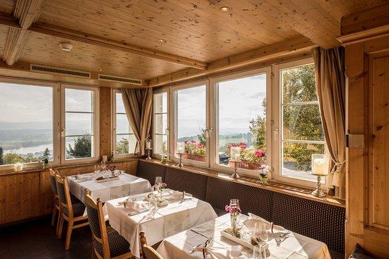 Forch, สวิตเซอร์แลนด์: Wassberg Arvenholzstübli  mit Aussicht auf Greifensee und Säntis